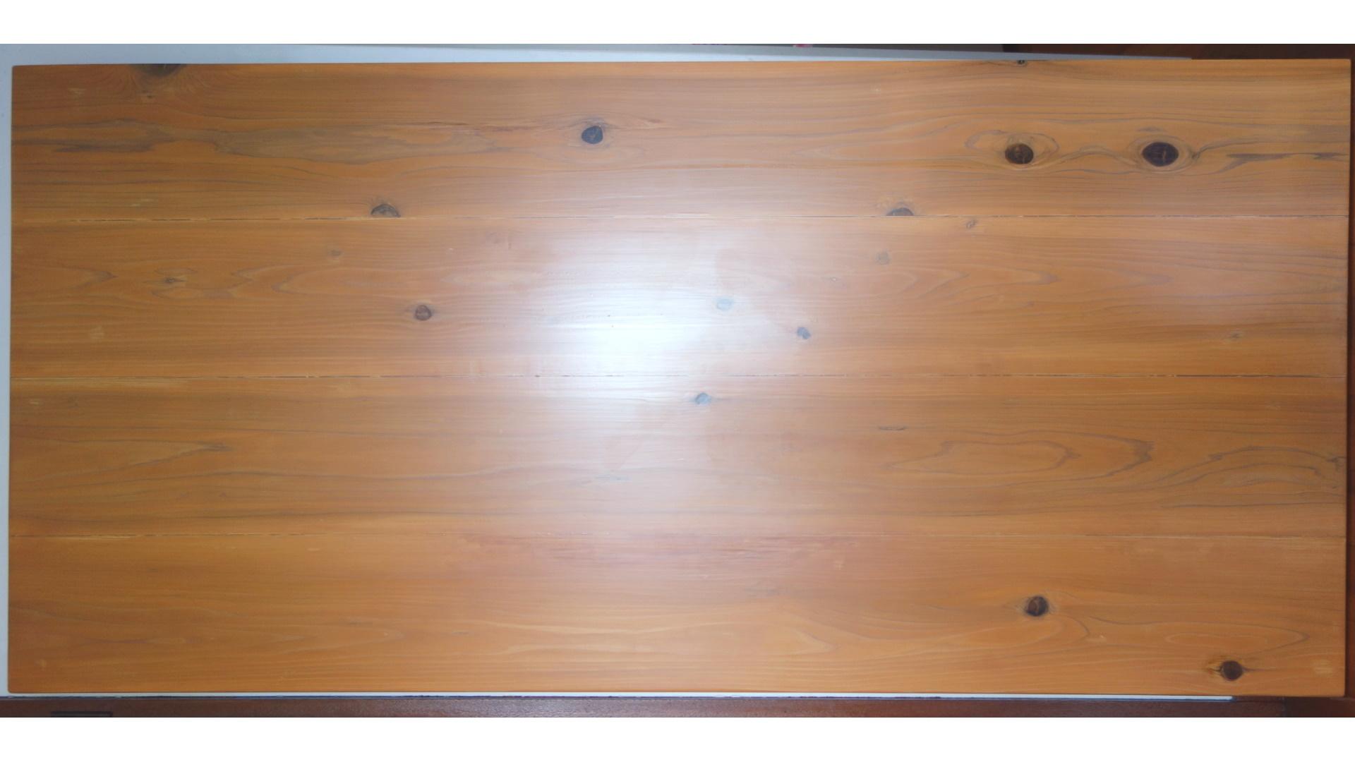 杉カフェ板の机